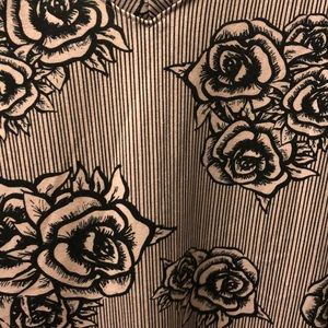 3X Roses and Stripes LulaRoe Christy V Neck tee